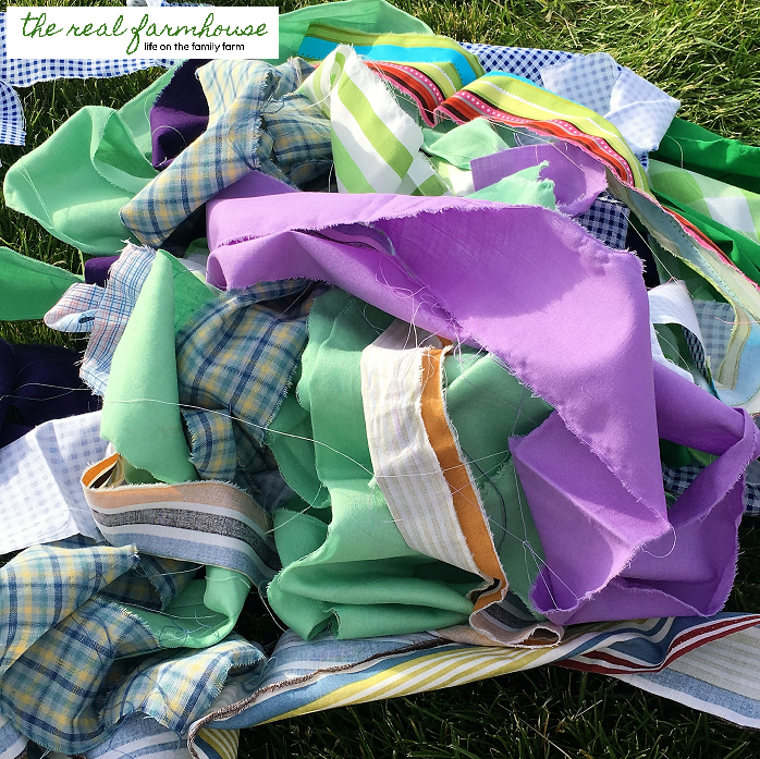 1000 Ideas About Trampoline Spring Cover On Pinterest: DIY Trampoline Pad From Scrap Fabric